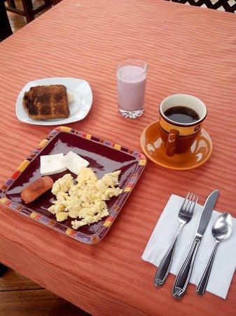 Hotel Los Balcones: El desayuno buffet