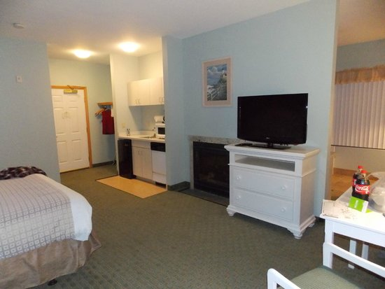 La Quinta Inn & Suites Newport : Room
