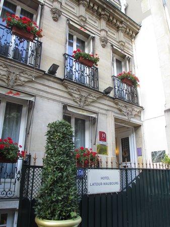 Hotel de Latour Maubourg: Outdoor view