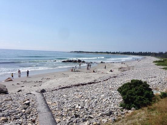 White Point Beach Resort: The beach at White Point