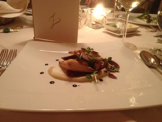 Zurserhof Hotel: One of the courses one night