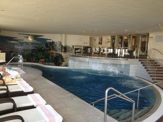 Zurserhof Hotel: Pool area