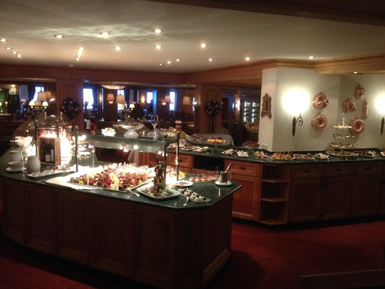 Zurserhof Hotel: More of the dessert buffet