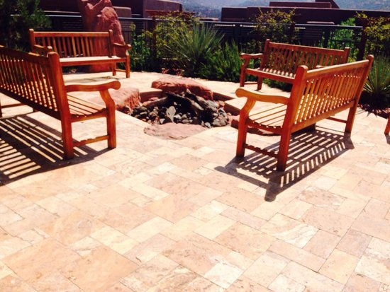 Hyatt Pinon Pointe: Nice fire pit and a place for BBQ!