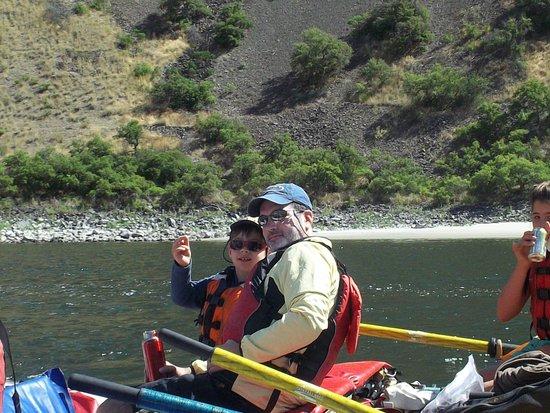 Hells Canyon Raft: Enjoying some bonding time with Dad