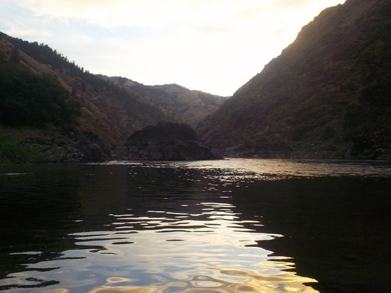 Hells Canyon Raft: Almost sunset...
