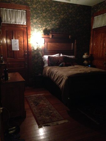 Baker House Bed and Breakfast: Hays Suite