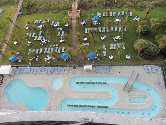 Boardwalk Beach Resort: Suite with bedroom, kitchen and living room