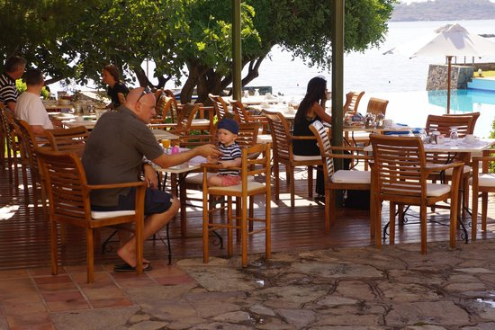 St. Nicolas Bay Resort Hotel & Villas: You will enjoy the view as you eat your break!