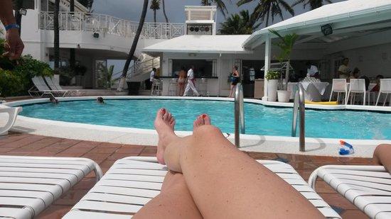 Hotel Casablanca: Tranqui en la piscina