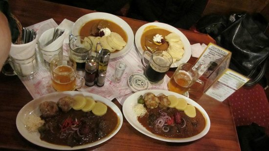 Restaurace Novomestsky Pivovar: Typical food.