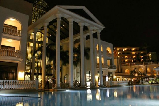 Guayarmina Princess Hotel : Hotel at night
