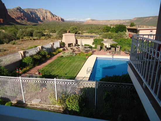 Canyon Villa Bed and Breakfast Inn of Sedona: View form Spanish Bayonet room