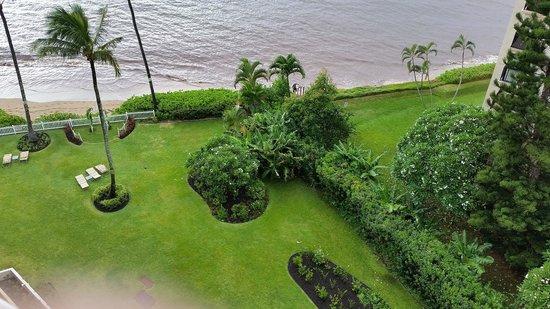 Royal Kahana: Garden area below our room