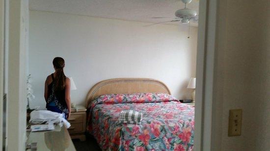Royal Kahana: Master bedroom