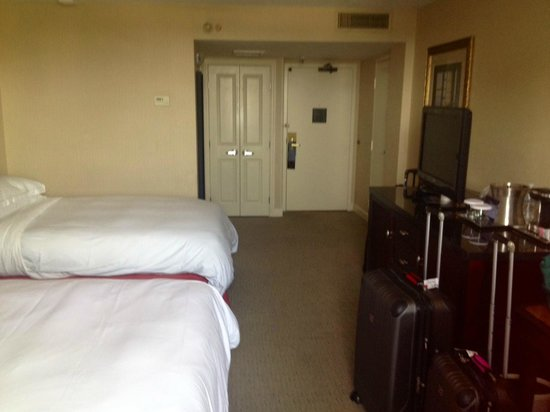 Hilton Tampa Airport Westshore: rooms were clean & well-appointed