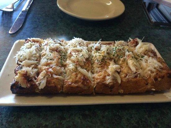 Flying Fish Grill : Cheesy crabby bread!!!!