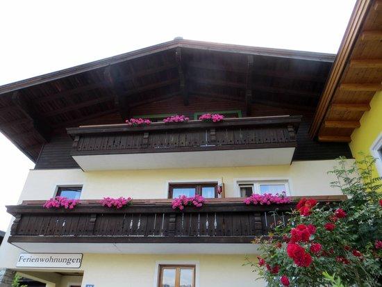 Gotthardt Apartmenthaus: Outside Balcony