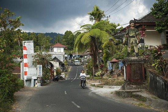 Taman Ayu Home Stay: Location