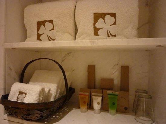 Hotel Clover 769 North Bridge Road: washroom amenities