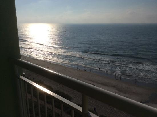 Coral Beach Resort & Suites : ocean view