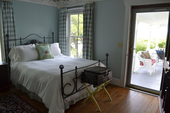 Lois Jane's Riverview Inn : Miss Mary's Room