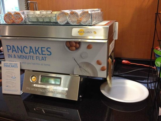 Holiday Inn Express Hanover : One minute pancakes