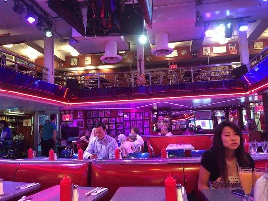 Ellen's Stardust Diner Main Room