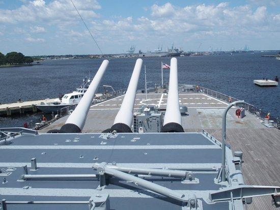USS Wisconsin : Looking over the aft gun turret
