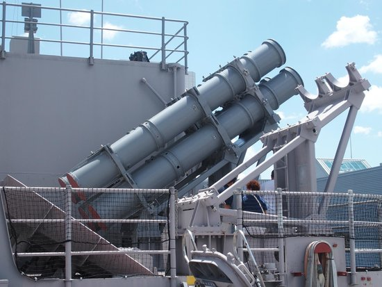 Battleship Wisconsin: Harpoon missile launchers