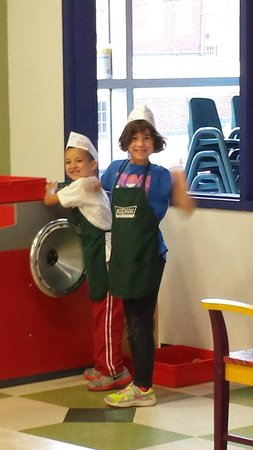 Children's Museum of Winston-Salem: At the Krispy Kreme bakery exhibit