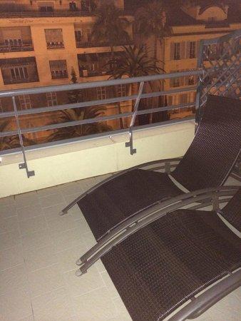 Hotel Nice Riviera: Amplio balcón