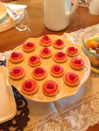 Teton View Bed & Breakfast: Treats from Franz and Carol