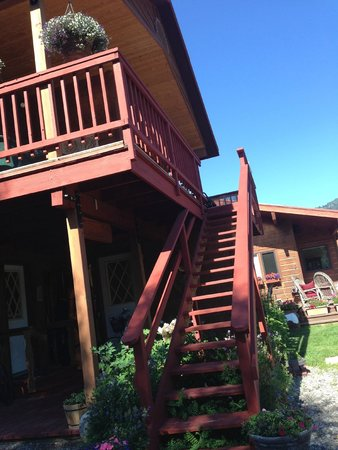 Teton View Bed & Breakfast: Up to the balcony