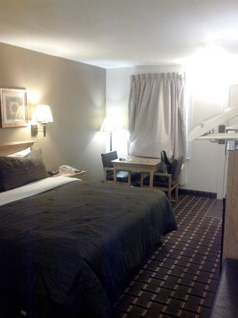 Americas Best Value Inn-Nashville/Downtown: room