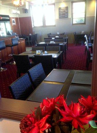 Miles Windsor Hotel Motel: Dining - Restaurant