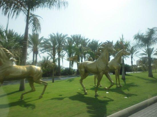 Jumeirah Al Qasr at Madinat Jumeirah: Front of the Hotel