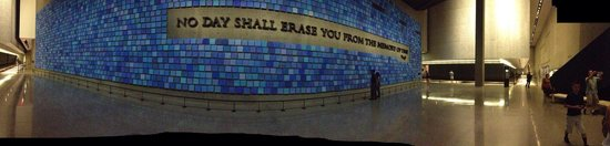 National September 11 Memorial und Museum: A panoramic view of the blue memory wall