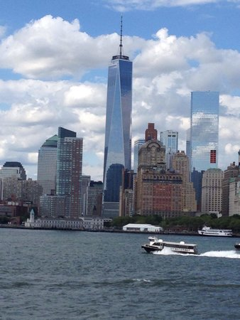 Memorial del 11S: A view of the new tour from the Staten island ferry.