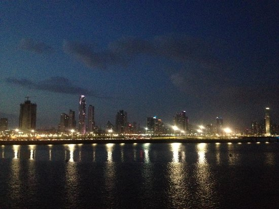 Capital Bistro Panama: skyline