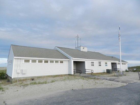 Kalmus Beach: Beach building