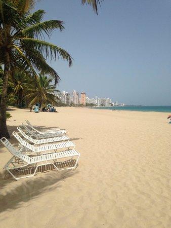 Numero Uno Guest House: Beach!!!