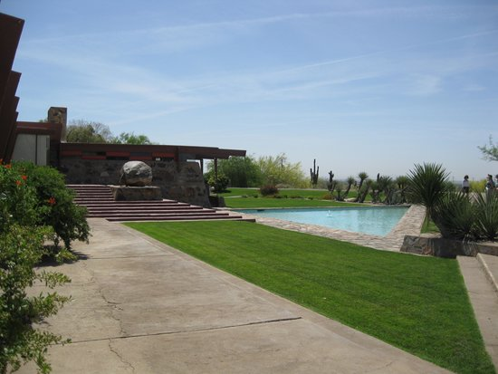 Taliesin West: The pool out front.