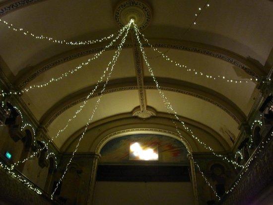 Wilton's Music Hall: 劇場内
