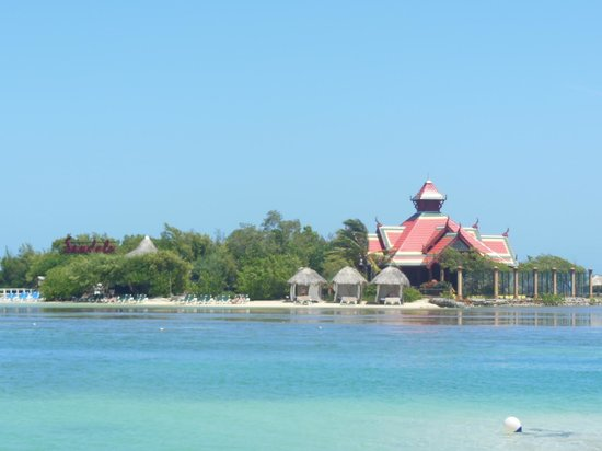 Sandals Montego Bay : private island