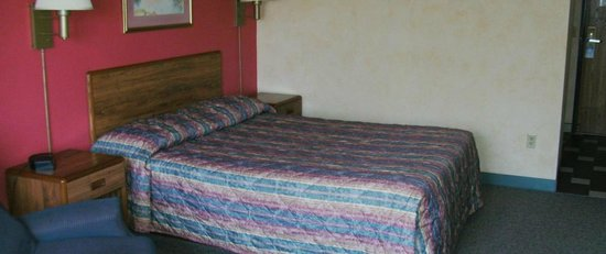Sleepy Eye, MN: Quiet, comfortable rooms - Family & Handicap Suites available