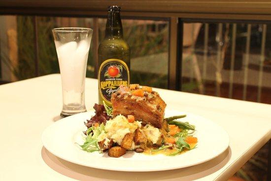 Island Palms Motor Inn: Pork Belly, Seafarer Restaurant Forster,