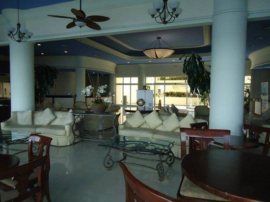 Simpson Bay Resort & Marina: Lobby Area