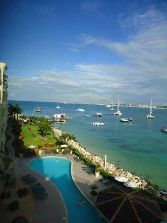 Simpson Bay Resort & Marina : Beautiful Day View!