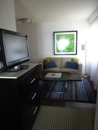 The Hollis Halifax - a DoubleTree Suites by Hilton: entry and pull out couch